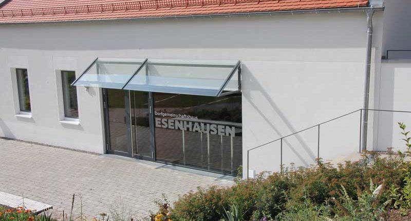 tsg-sportstaette-esenhausen-eingang-dorfgemeinschaftshaus