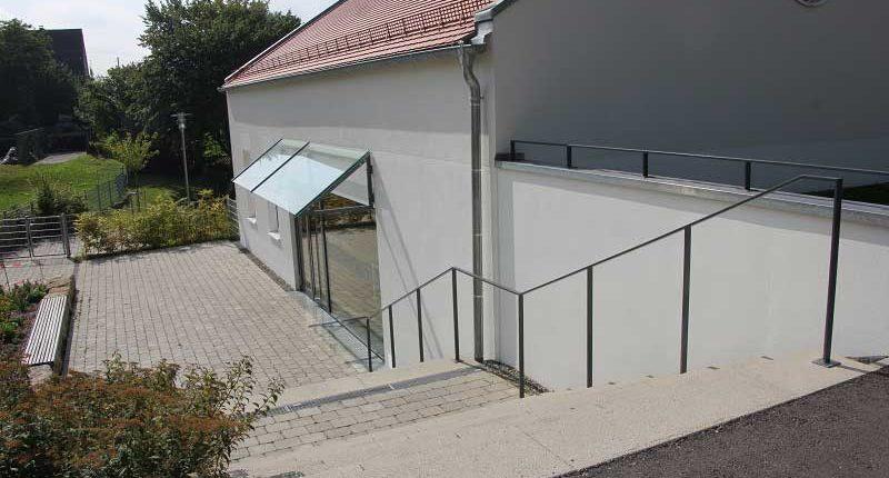 tsg-sportstaette-esenhausen-treppenabgang-dorfgemeinschaftshaus