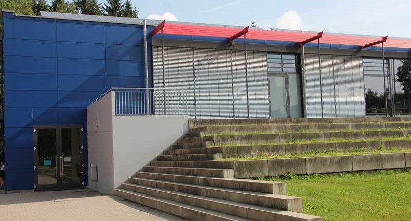 tsg-sportstaette-riedhalle-trainingseingang
