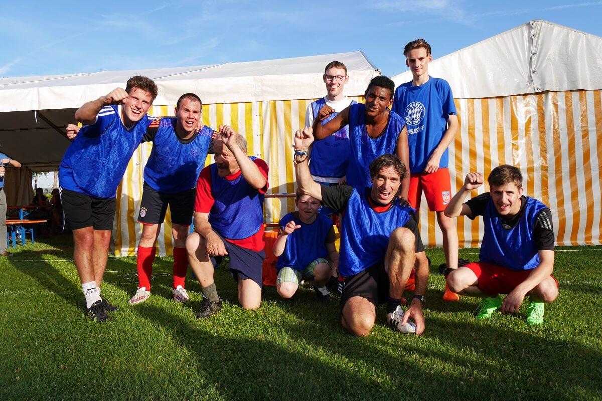 TSG Wilhelmsdorf Sport für Menschen mit Behinderung Fußball Unified Fanclubfest Bayern blau