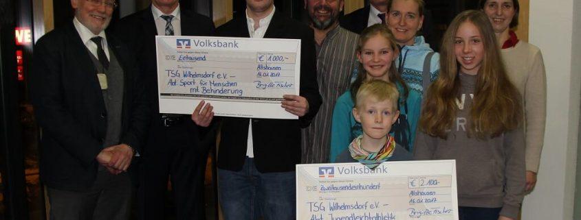 TSG Wilhelmsdorf Gesamtverein Scheckuebergabe VR Gewinnsparen 2017