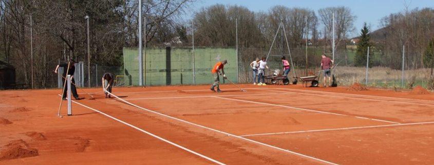 TSG Wilhelmsdorf Tennis Plaetze richten 2018